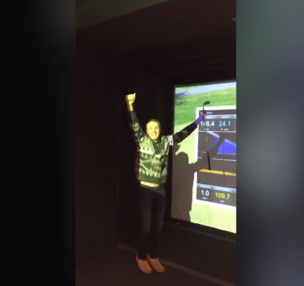 Jordan Spieth Nails a Hole in One with Friends and Family